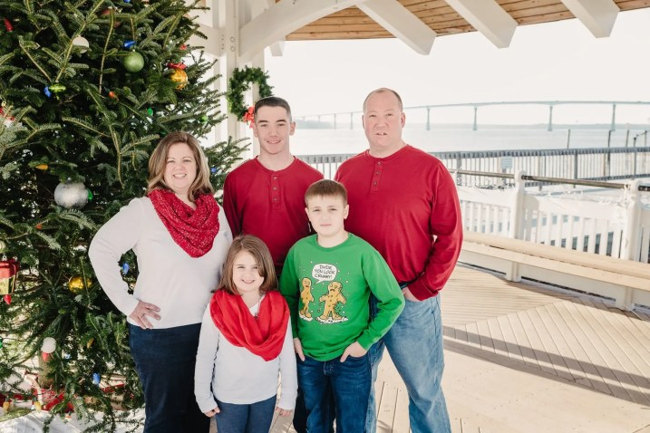 family_fink-christmas_01