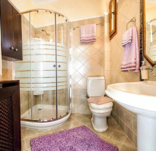 bathroom_halkidiki_greece_thumb
