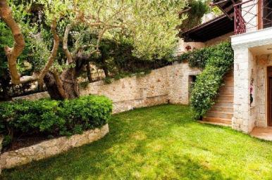 villa_with_garden_halkidiki_thumb