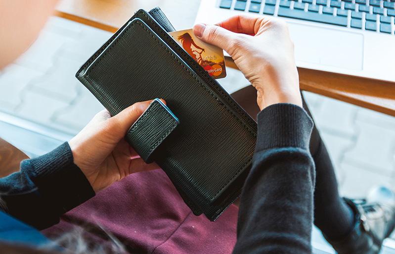 "Comissions derivades del pagaments amb Mastercard Global Wholesale Travel Program (GWTP) o ""Visa B2B Virtual paymentprogram"