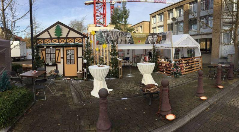 Gezellig kersthuis op kerstmarkt Geluwe
