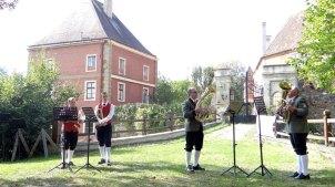 Das Weisenblasen der BAG Hollabrunn fand 2015 im Schloss Therasburg statt.