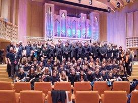Die beiden Orchester am Siegerfoto.