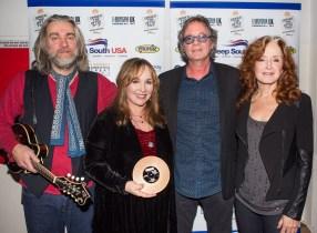 UK Americana Awards with Ethan Johns, Barry Walsh & Bonnie Raitt photo by Ed Whitmarsh