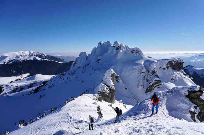 Ciucaș iarna: Traseu Cabana Muntele Roșu - Vârful Ciucaș. Circuit de o zi