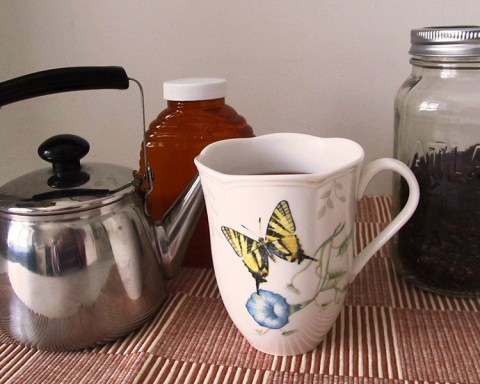 Bulk spices and teas make luxury highly affordable, particularly when you buy with friends; photo by Sheila Velazquez.