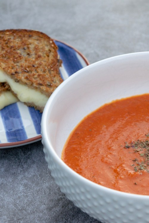 Vegan Tomato & Red Pepper Soup