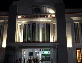 Pintu Timur Stasiun Tugu Yogyakarta