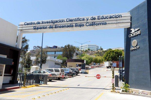 Emplazan a huelga en Colef y Cicese (Baja California)