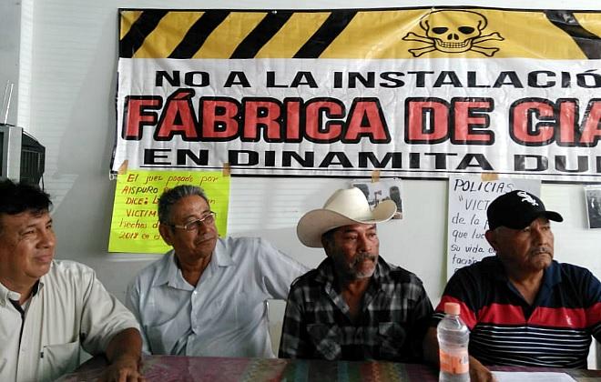 Con toma de escuelas, Frente Unido de Pueblos exige mesa de trabajo con autoridades de Durango