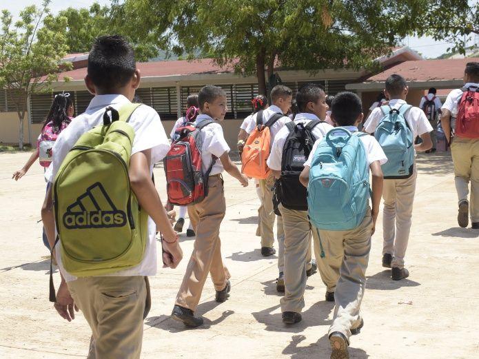 Alumnos se quedan sin clases por protesta (Sinaloa)