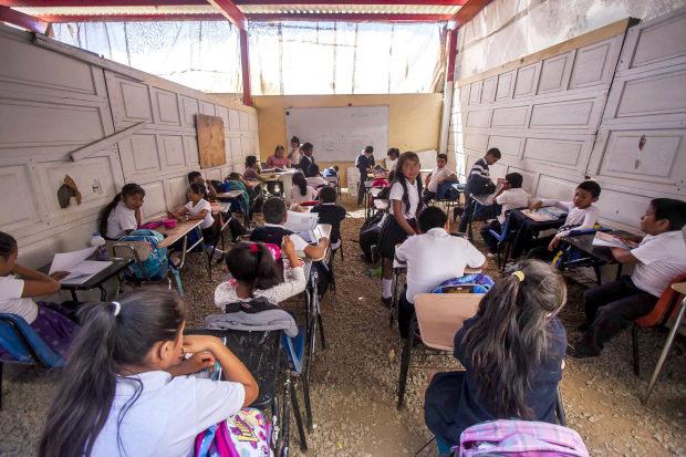 Escuelas deplorables en Tijuana: con letrinas y aulas de madera (Baja California)