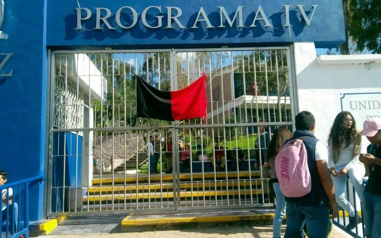 Paran labores docentes de la Prepa IV y Tacoaleche (Zacatecas)