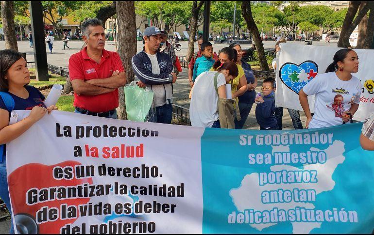 Protestan por falta de medicamentos contra el cáncer (Jalisco)