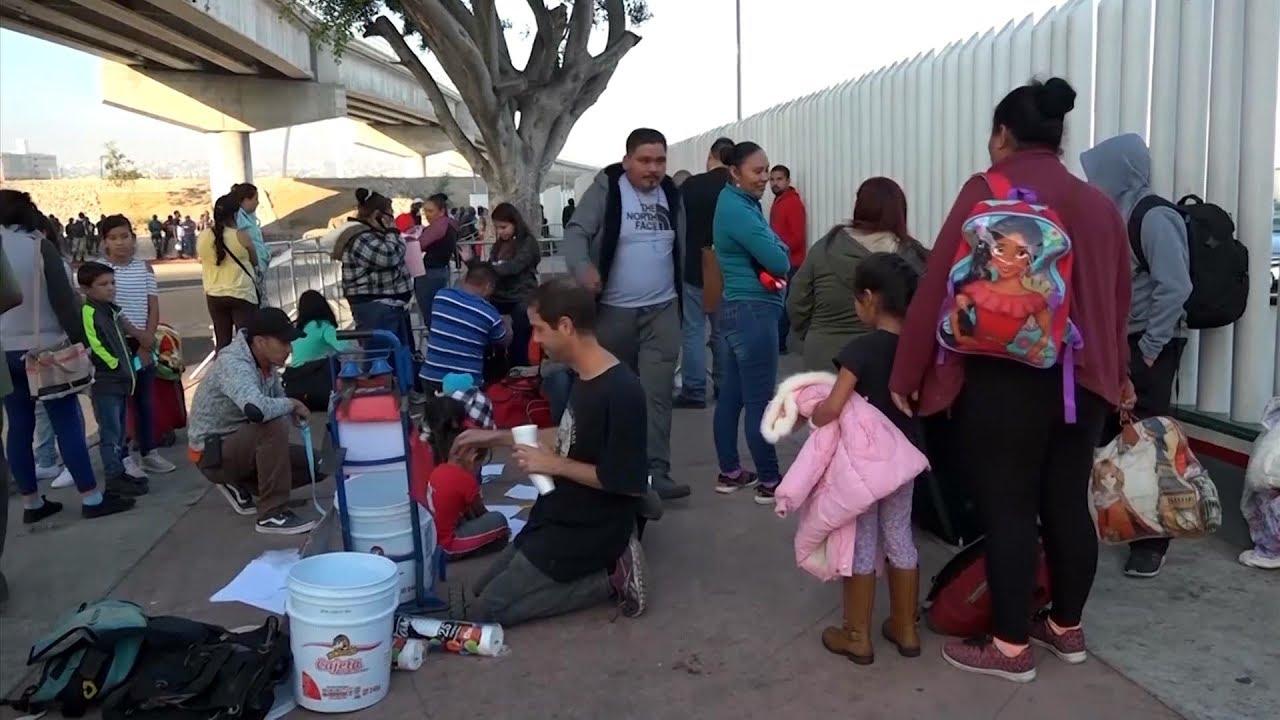 Nueva ola de desesperación entre migrantes en frontera mexicana