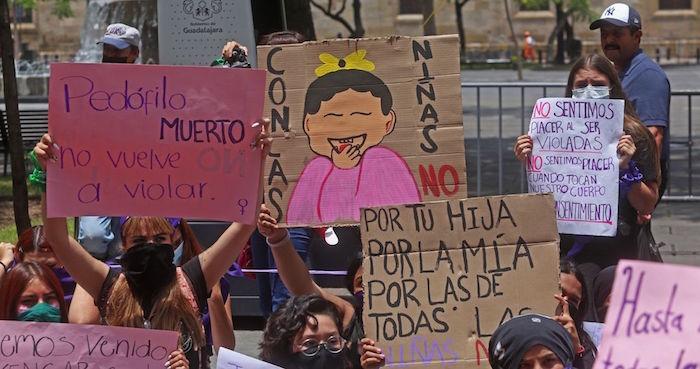 """""""Secuestran a las jóvenes y las ofrecen en picaderos"""". Así operan los tratantes en Puerto Vallarta (Jalisco)"""