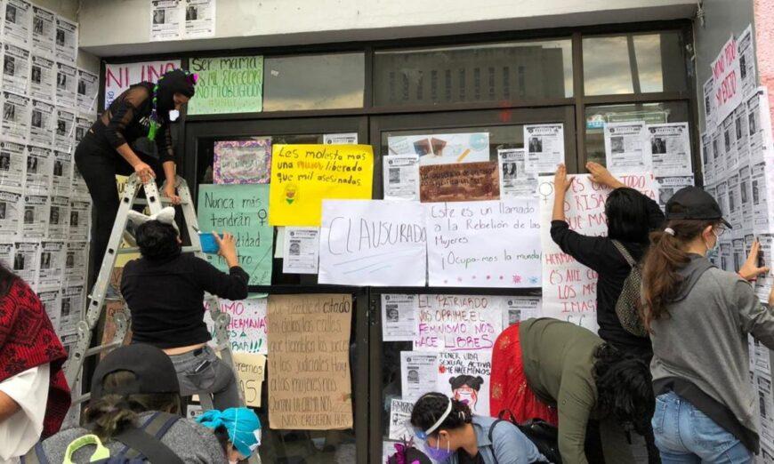 Feministas toman instalaciones de la CNDH y de comisión estatal en Guerrero