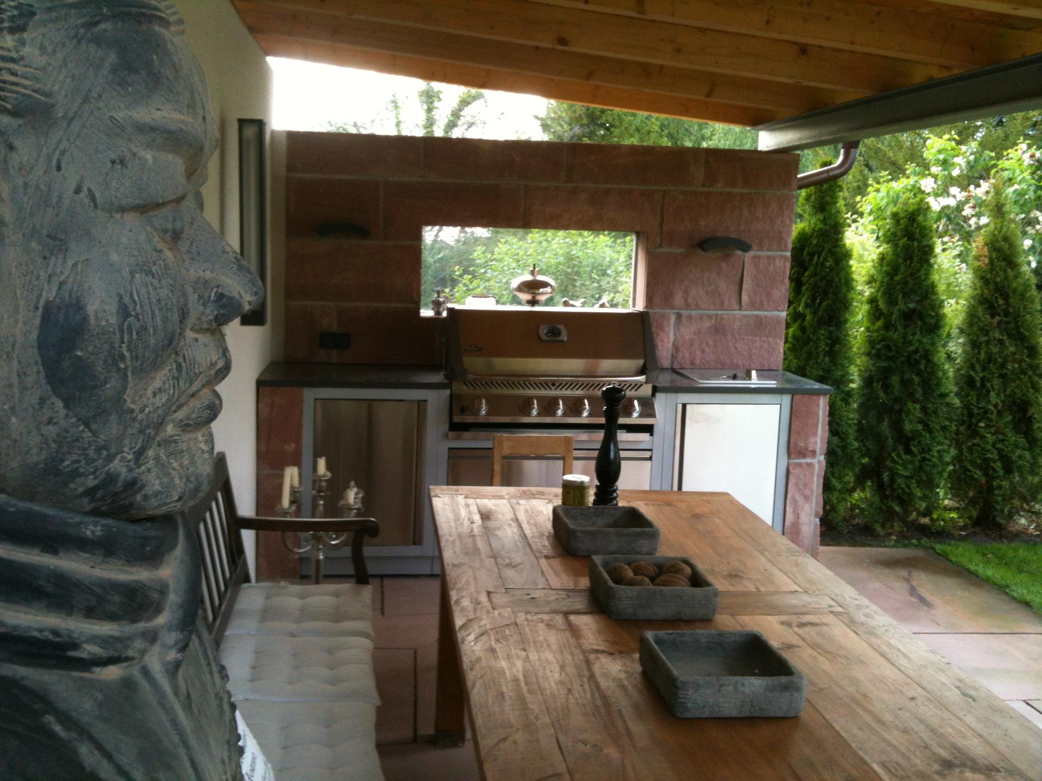 Gartenkche mit dem Oasis System von Napoleon  Grill News