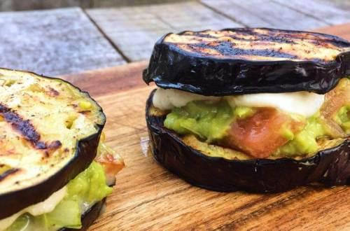 Aubergine met Advocado salsa