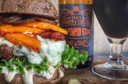 Blank Angus burger
