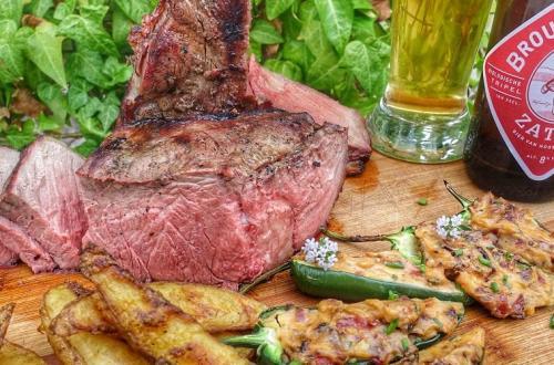 Porterhouse steak met japapenos cheddar poppers