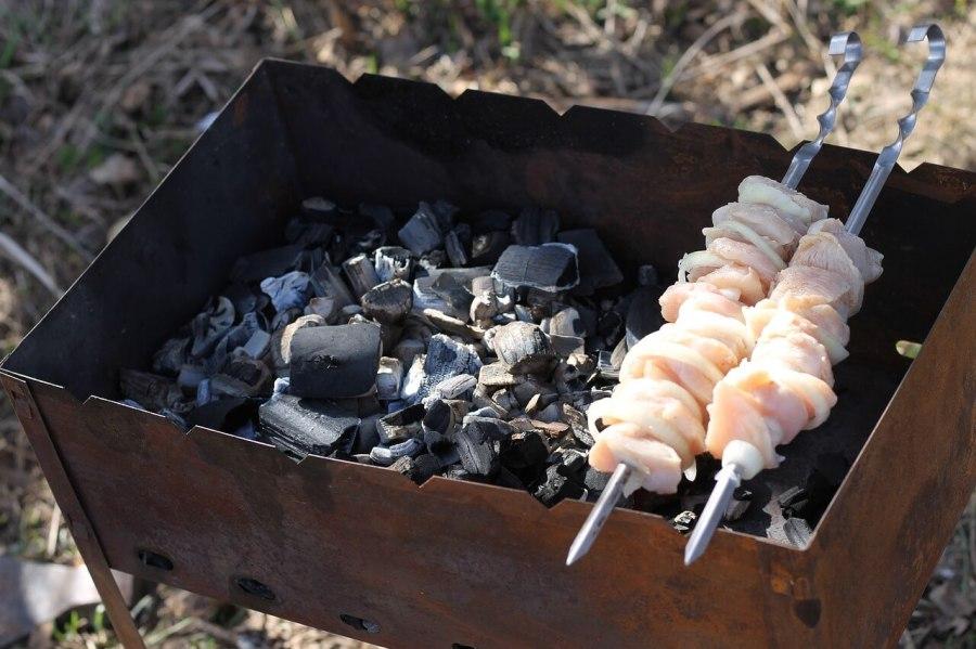 wie funktioniert ein schaschlik grill