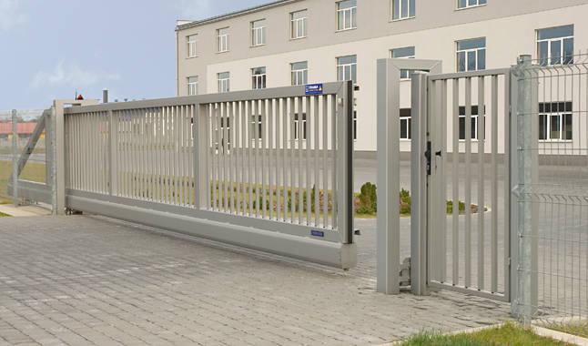 Cancello scorrevole a sbalzo industriale Wisniowski  GriMas  Ascensori  Home Lift  Minilift