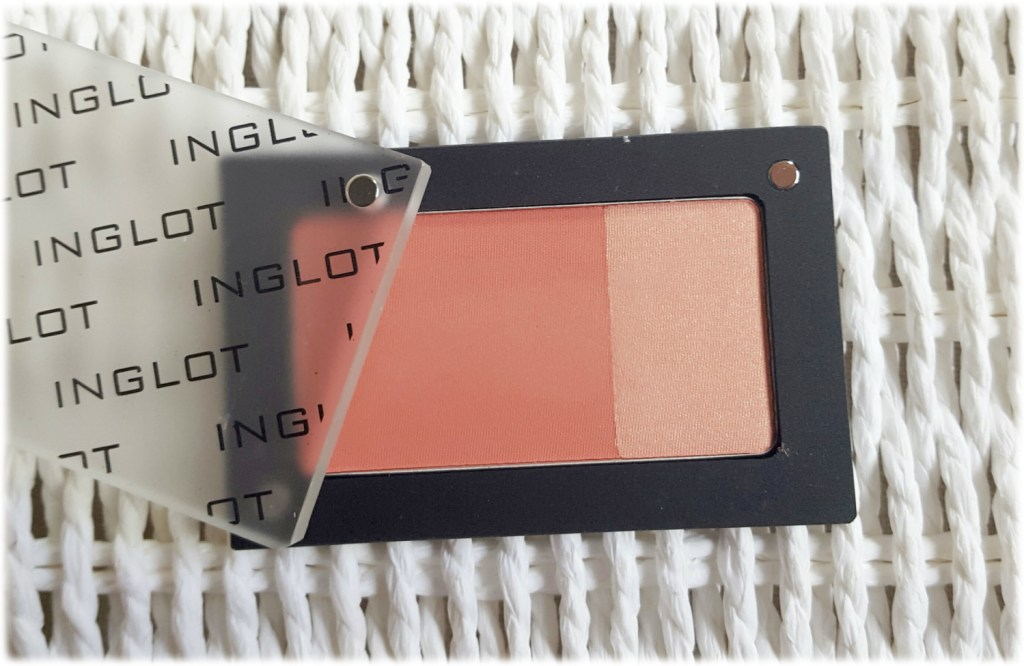 INGLOT: Fusion Blush and Illuminator Freedom System