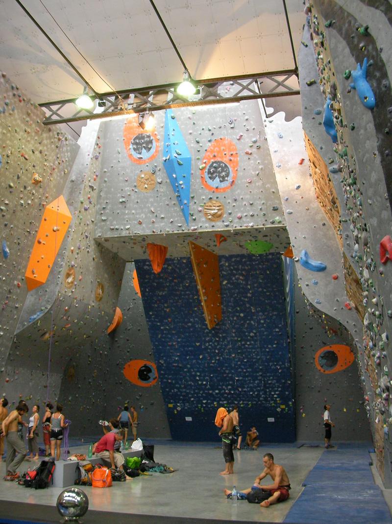 Salle D Escalade Espace Vertical Ev2 A Saint Martin D Heres 38400