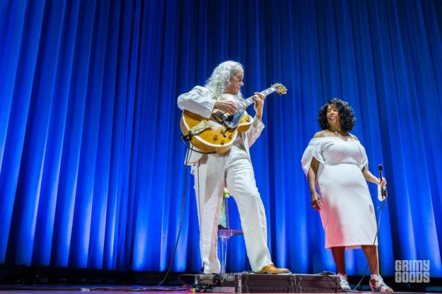 Tuck and Patti, The Hollywood Palladium, photo by Wes Marsala