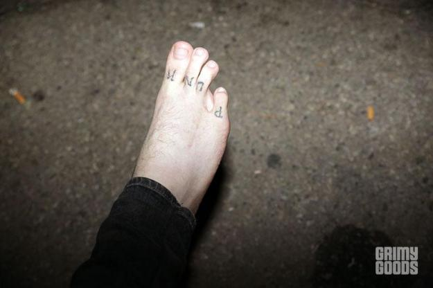 punk foot photo four toes