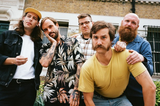 """IDLES share a punkish rework of Sharon van Etten's """"Peace Signs"""" for 'Epic' Ten Year Anniversary"""