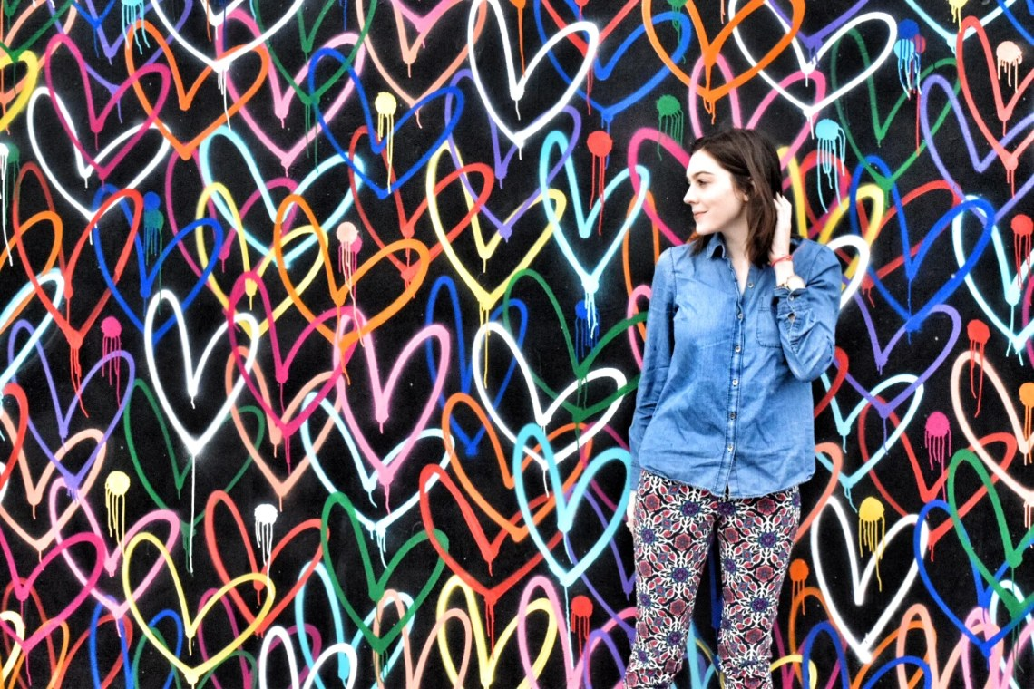 Bleeding hearts mural in Venice, California