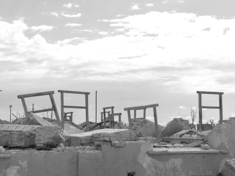 Window frames, Epecuen