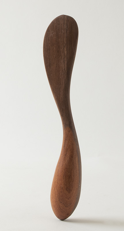 Butter knife, in walnut and cherry