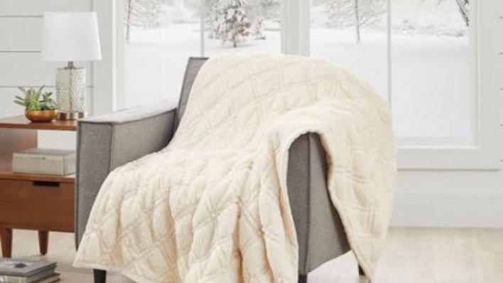throw-blanket-clarkdeals