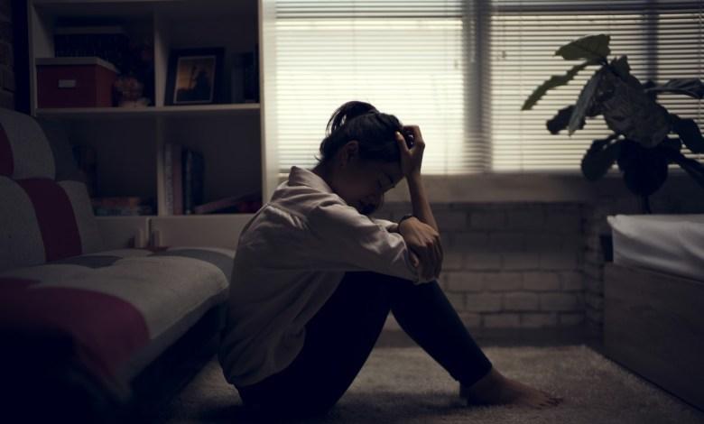 kronik mutsuz insanların olumsuz davranışları