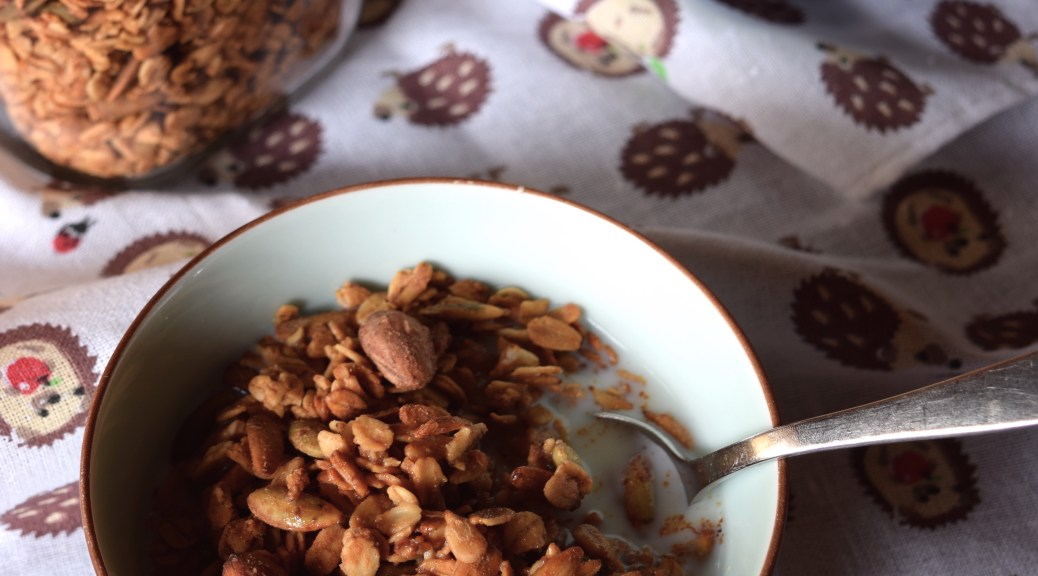 A healthy easy to make granola recipe for those on or not on the FODMAP diet!