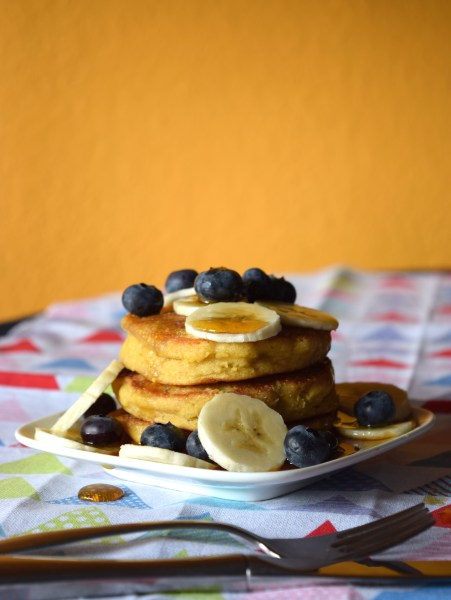 Simple low fodmap friendly, gluten-free, lactose free pancakes! Perfect healthy and fast choice for a fun breakfast.