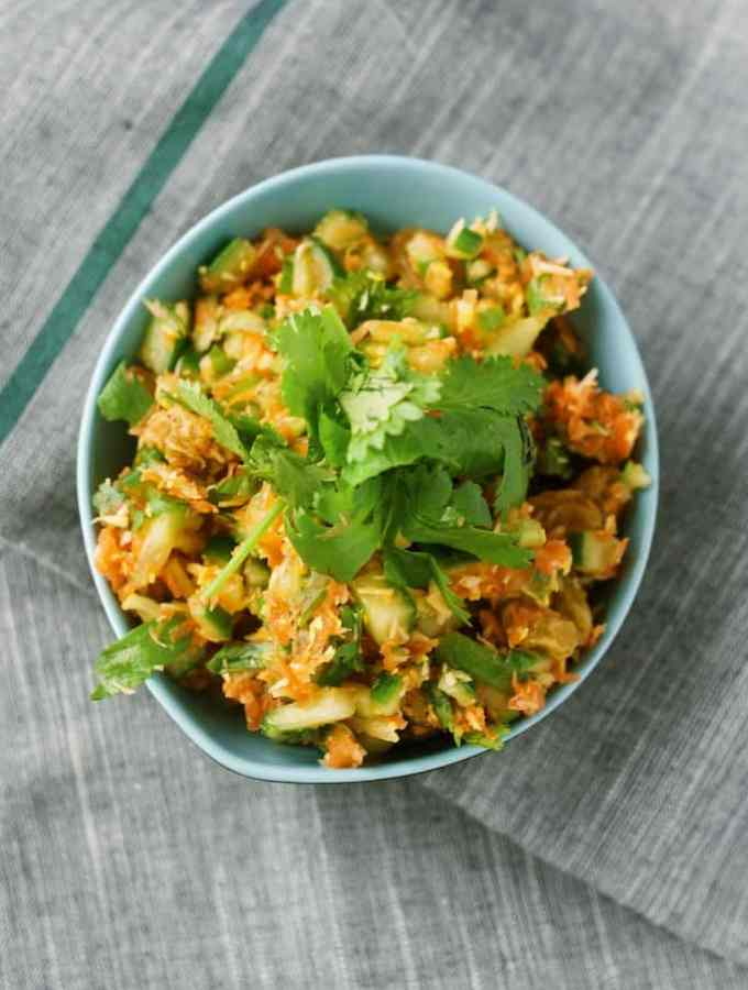 sri lankan coconut carrot salad