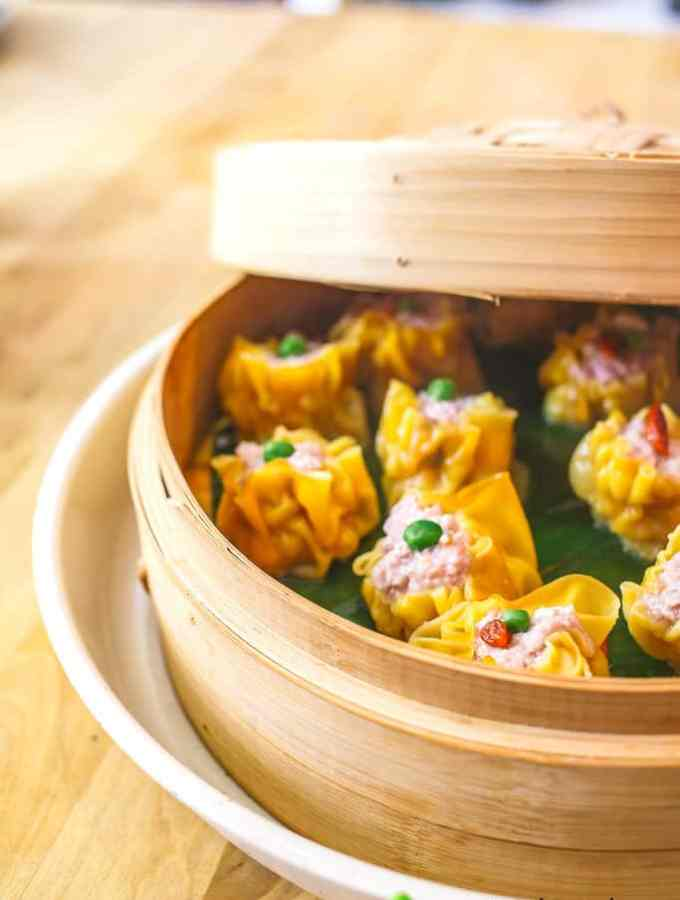 make a rose-shaped jiaozi at school of wok (discount and giveaway)!