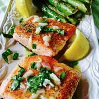 Easy Pan Seared Salmon with Asparagus