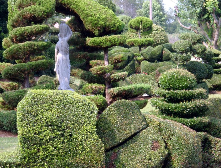 #DISCOVERSC: PEARL FRYAR'S TOPIARY GARDENS // www.gritsngrace.com