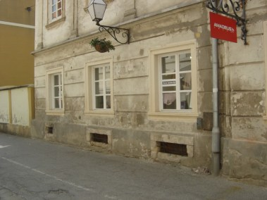 Kameni okviri prozora - Varaždin (3)