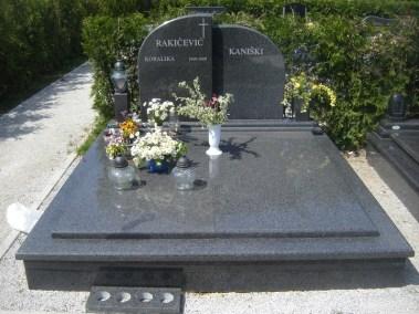 Nadgrobni spomenici (121)