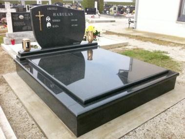Nadgrobni spomenici (19)