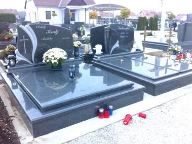 Nadgrobni spomenici (31)