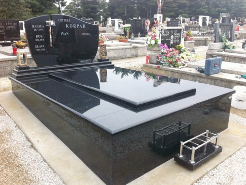 Nadgrobni spomenici