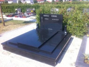 Nadgrobni spomenici (45)