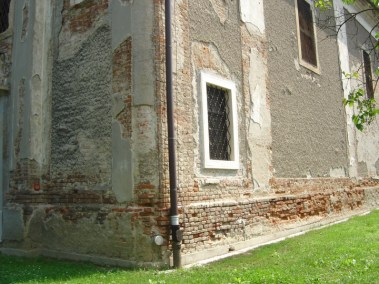 Sakralni objekti - kameni okviri prozora, portala i kuteva (4)